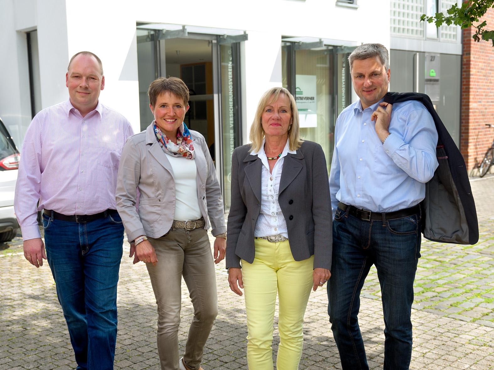 unser Team vom OSTBEVERNER Versicherungsverein a. G.